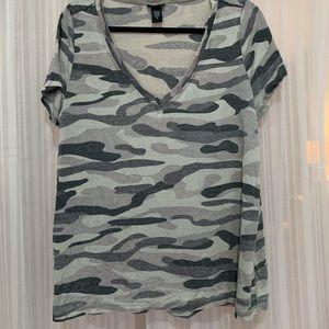 Grey camp v neck tshirt